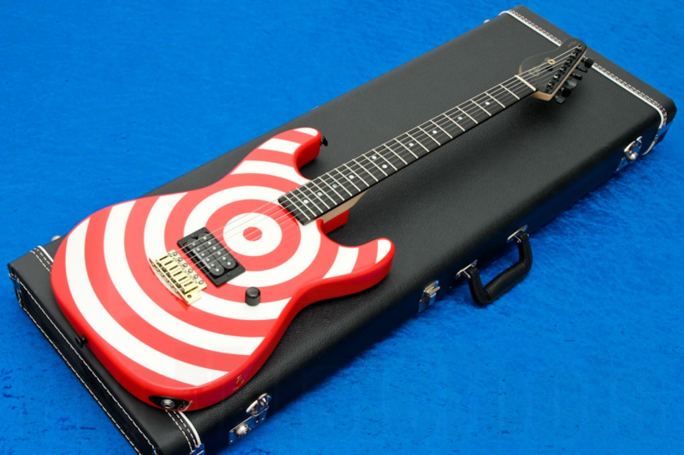 Charvel USA Custom Shop Strat - Red & White Bullseye Ebony & Reverse Head