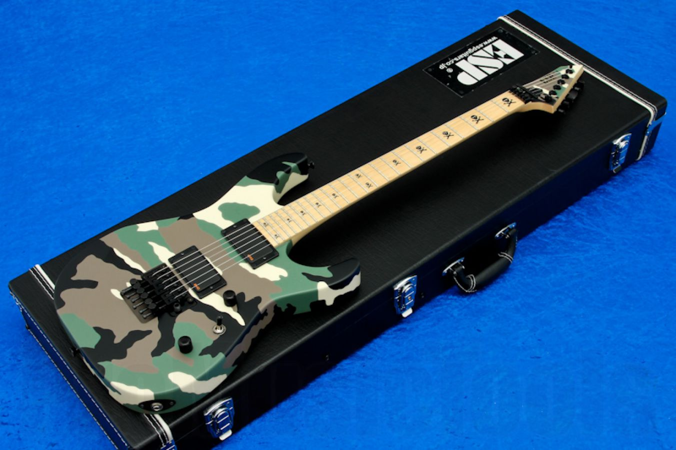 ESP M-II Neck-Thru Green Camo - PMT Special Edition
