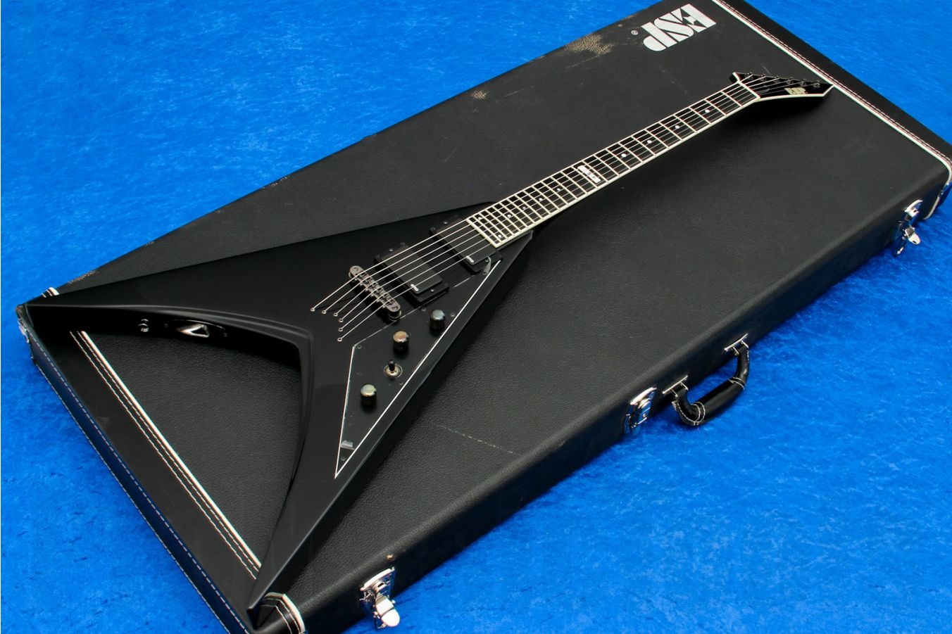 ESP V-II STD BK - Black - demo