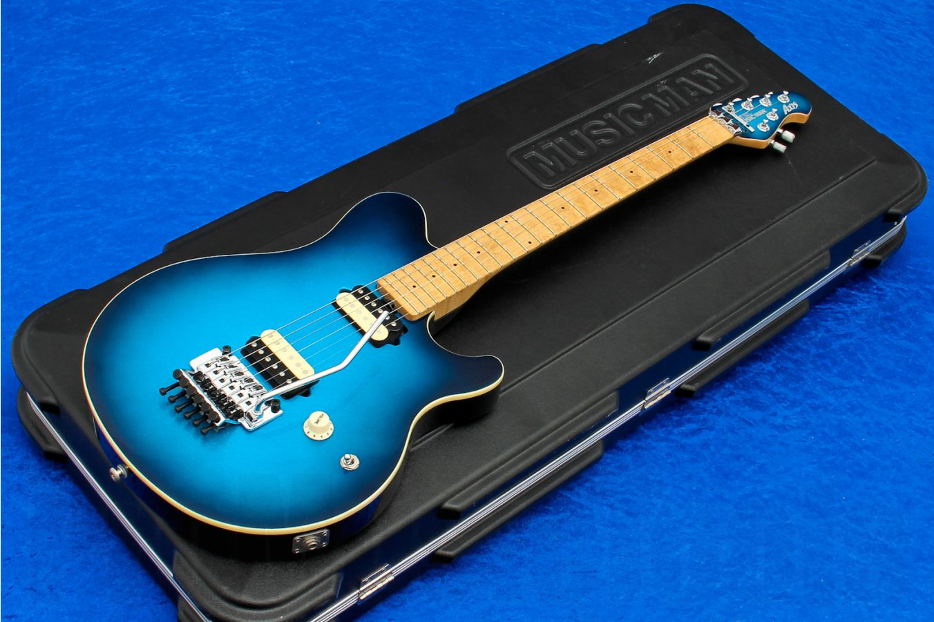 Music Man USA Axis BD - Blue Dawn MH