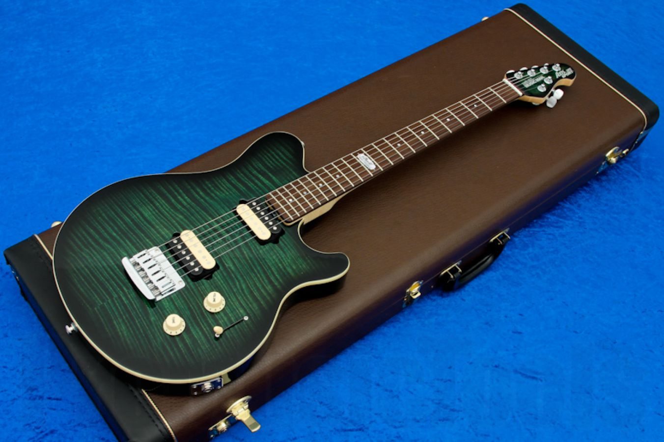 Music Man USA Axis Super Sport STD BFR EB - Emerald Burst RW