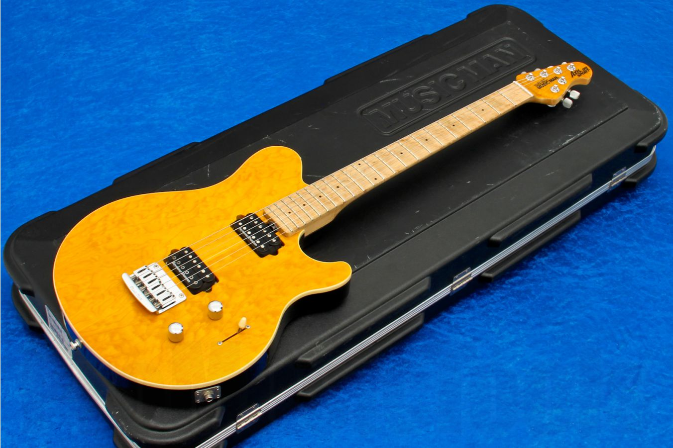 Music Man USA Axis Super Sport STD TG - Translucent Gold MN MH