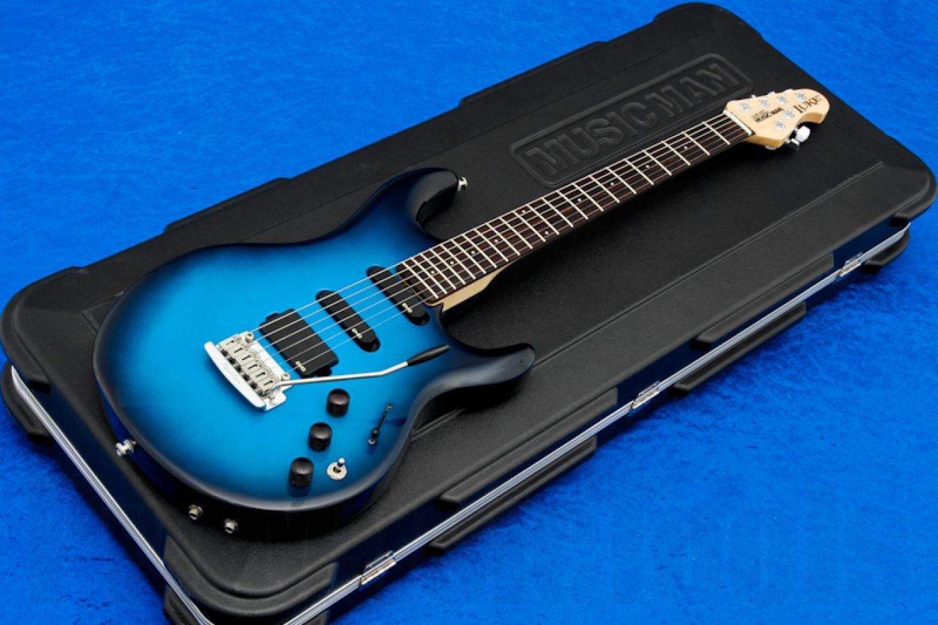 Music Man USA Luke Piezo BD - Blue Dawn