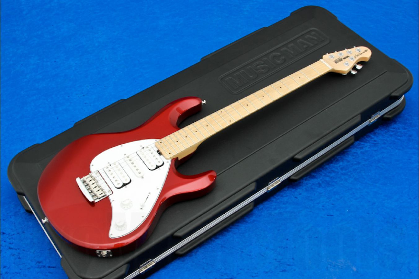Music Man USA Silhouette HSH STD CR - Candy Red MN