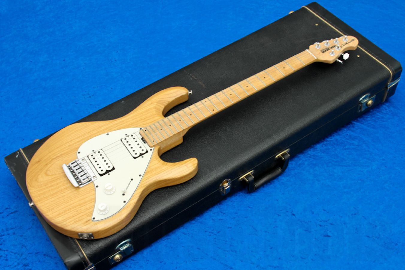 Music Man USA Silhouette HH STD NT - Natural MN