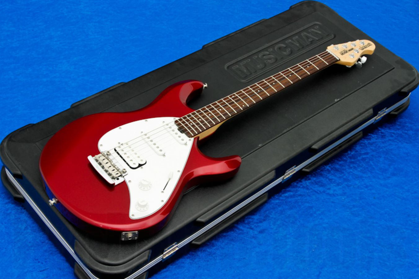 Music Man USA Silhouette Special HSS Trem CR - Candy Red RW
