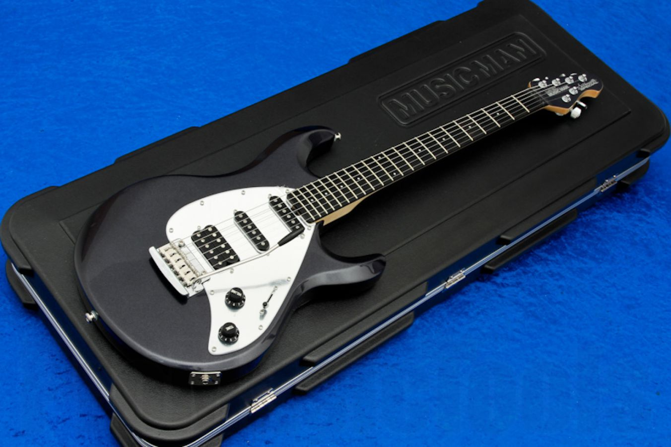 Music Man USA Silhouette Special HSS Trem SB - Sapphire Black Mirror & Ebony Limited Edition