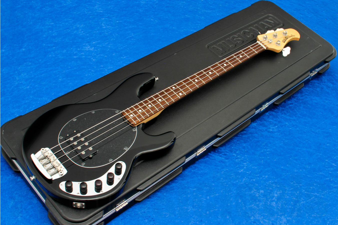 Music Man USA Stingray 4 Piezo BK - Black RW