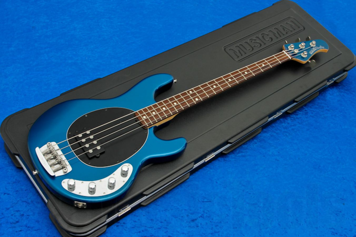 Music Man USA Stingray 4 BP - Blue Pearl RW MH