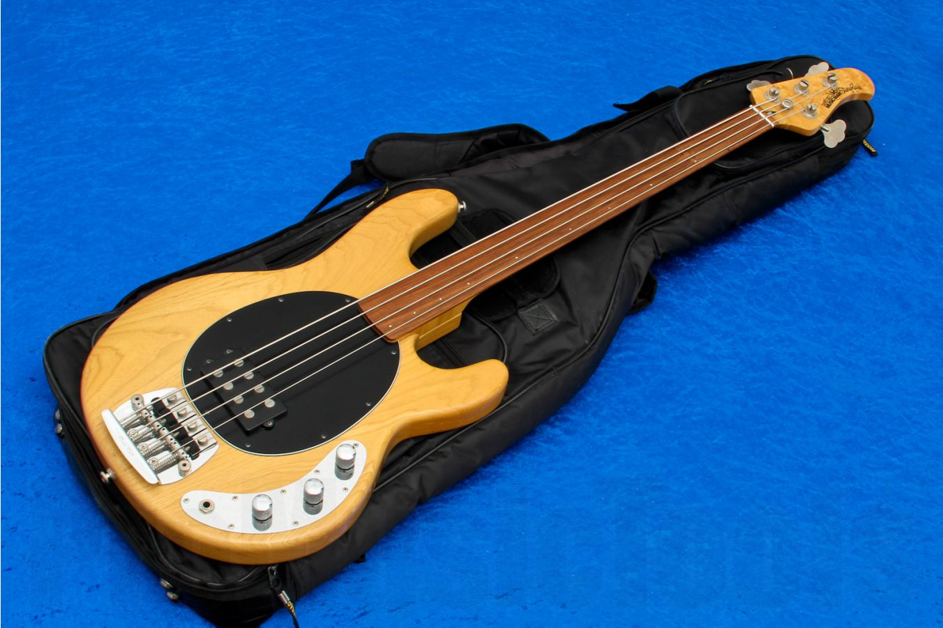 Music Man USA Stingray 4 Fretless NT - Natural (modified)