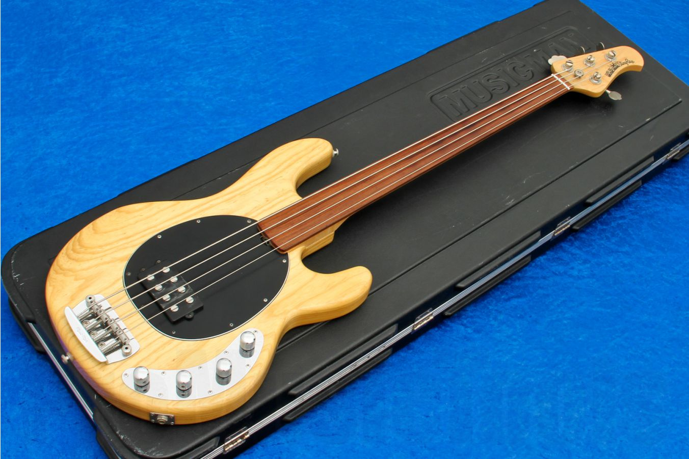 Music Man USA Stingray 4 Fretless NT - Natural