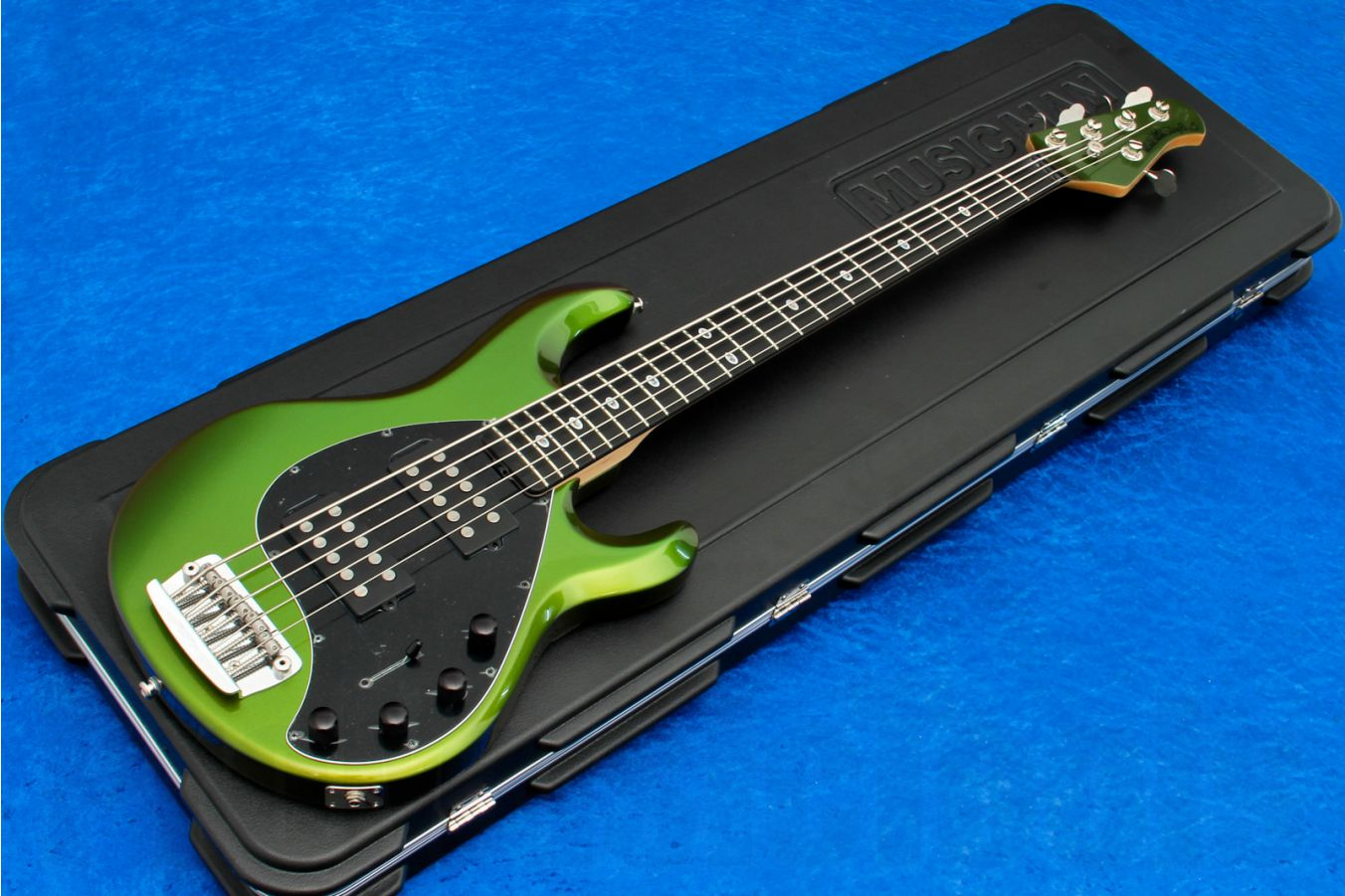 Music Man USA Stingray 5 HH DD - Dargie Delight II Limited Edition
