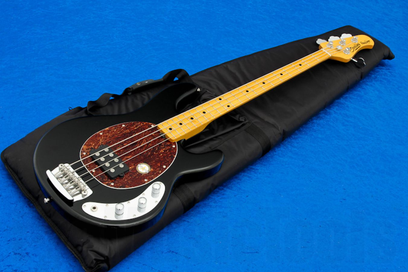 Sterling by Music Man RAY34CA BK Classic Active