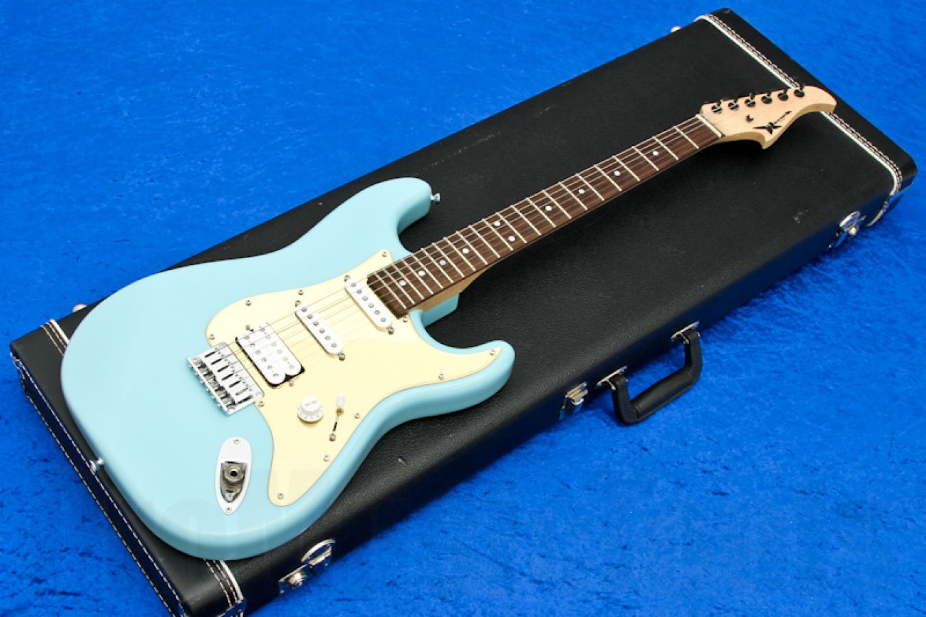 Wayne Charvel USA Rock Legend Custom - Baby Blue
