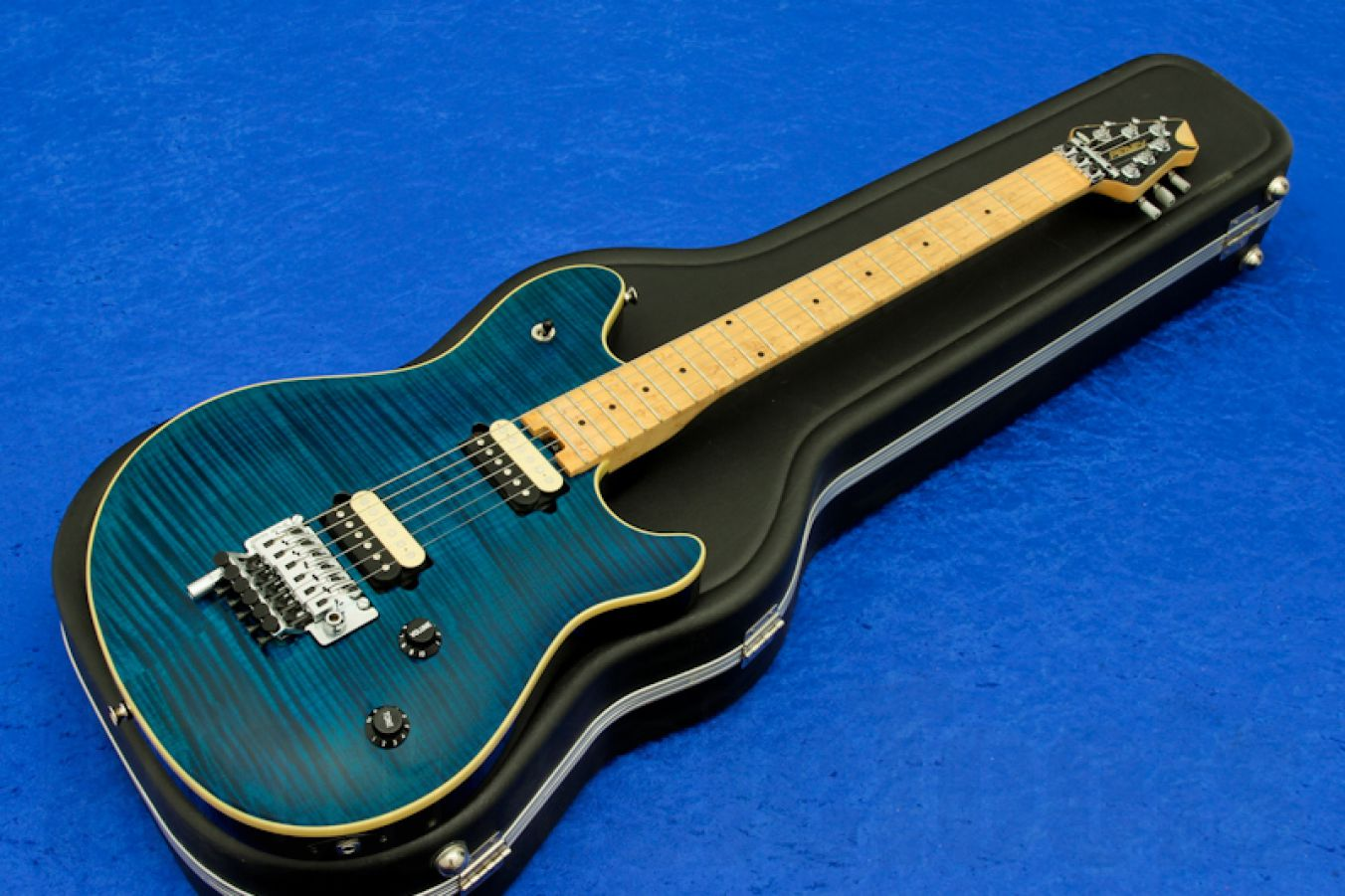 Peavey Wolfgang USA Standard Deluxe FR - Trans Blue