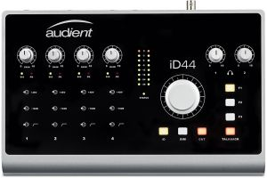 Audient iD44 - 1x opened box
